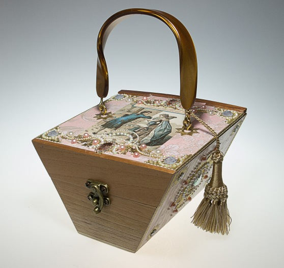 L'Invitation - Musical cigar box purse by ChickieLou